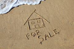 Дом пляжа для сбывания Стоковые Фото