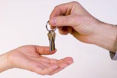 дом пользуется ключом новая Стоковые Фото