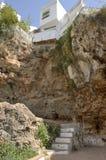 Дом построенный над пещерой Стоковые Фото