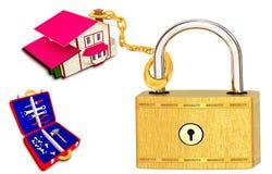 Дом прикрепленный цепью Стоковые Фотографии RF