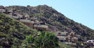 Дом района холма Los Cabos мексиканський в cabo San Lucas гор стоковая фотография