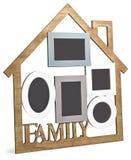 Дом рамки фото состоит из 5 кадров и семьи текста Стоковое фото RF