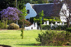 дом сада страны идилличная Стоковое Изображение
