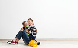 Дом семьи reparing Стоковая Фотография