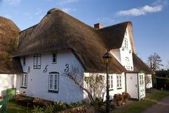 Дом соломенной крыши на Amrum Стоковые Фотографии RF