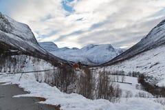 Дом среди гор Стоковые Фотографии RF