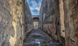 Дом старых римских руин, часть мест всемирного наследия ЮНЕСКО Оно расположено около Неаполь Стоковое Изображение