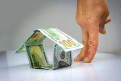 Дом сделанный американских долларов Стоковые Изображения