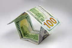 Дом сделанный американских долларов Стоковое фото RF