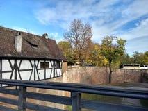 Дом с полу-timbered стилем стоковое изображение