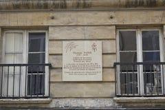 Дом Томас Пейн, 1737 до 1809, Париж, Франция - placque читает: 'Англичанин гражданином рождения французским американцем декрета A стоковые фотографии rf
