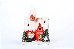 Дом украшения рождества керамический на белой предпосылке Стоковое Фото