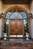 дом фронта входа двери к Стоковое Изображение RF