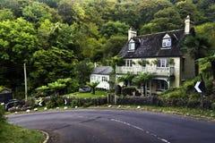 Дом, холм porlock Стоковое фото RF