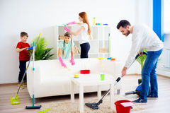 Дом чистки семьи стоковое фото rf