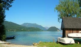 Дом шлюпки на озере Стоковое Фото