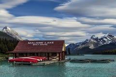 Дом шлюпки Maligne озера Стоковые Изображения RF