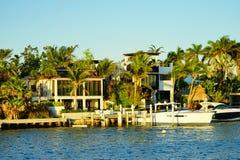 Дом южного пляжа роскошный Стоковые Фото