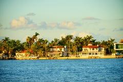 Дом южного пляжа роскошный Стоковое Фото