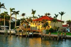 Дом южного пляжа роскошный Стоковое Изображение