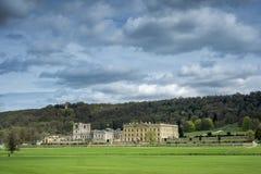 Дом Chatsworth в обширных землях в Дербишире Стоковая Фотография