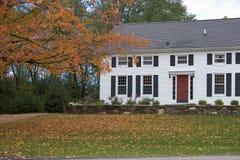 дом colonial осени Стоковые Фото
