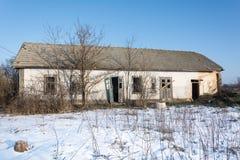 Дом Eco, старый дом сделанный из глины Стоковые Изображения RF