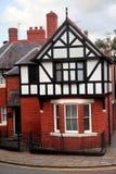Дом Fasade стиля Tudor в Честере, Великобритании Стоковое Фото