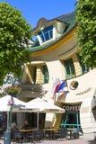 Дом Krzywy Domek нечестный маленький на улице Monte Cassino, Sopot, Польше стоковое фото rf