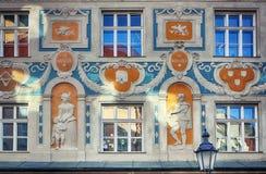 Дом Ruffini в Мюнхене, покрашенном барочном фасаде Стоковое Фото