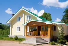 дом storeyed 2 семьи Стоковое Фото