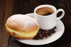 Донут берлинца с кофе Стоковая Фотография RF