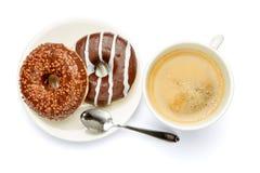 Донут и кофе изолированные на белизне Стоковое Фото
