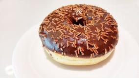Донут шоколада изолированный на белизне Стоковые Фото