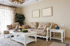 дорогая нутряная живущая роскошная комната Стоковая Фотография