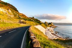 Дорога антрима прибрежная в Северной Ирландии, Великобритании Стоковые Изображения RF
