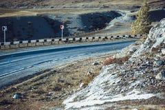 Дорога асфальта горы стоковая фотография