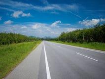 Дорога асфальта от Малайзии к Таиланду стоковое фото rf