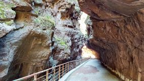 Дорога балкона внутри гор в лете стоковое изображение