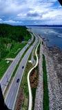 Дорога вдоль Рекы Святого Лаврентия в Квебеке (город) стоковое изображение rf