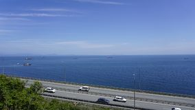 Дорога вдоль тиши залива vladivostok стоковое изображение rf