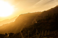 Дорога вперед и заход солнца Стоковое Изображение