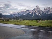 Дорога в Альпах, Австрия Стоковая Фотография RF