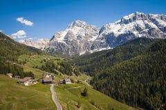 Дорога в горах доломита, Италия Стоковые Изображения