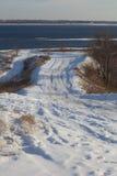 Дорога в зиме к реке Стоковая Фотография RF
