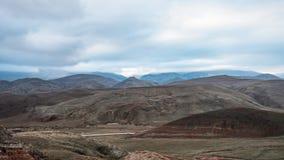 Дорога в зоне гор стоковое фото rf