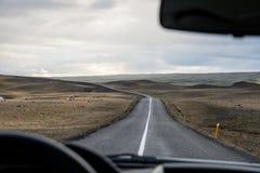 Дорога в национальном парке Landmannalaugar долины, Исландии в июле Стоковое Изображение