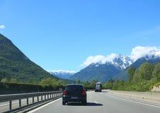 Дорога вдоль Альпов Стоковая Фотография RF
