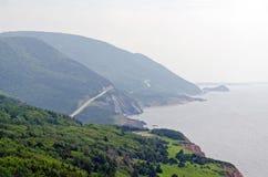 Дорога вдоль береговой линии стоковая фотография