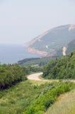 Дорога вдоль береговой линии стоковые фото